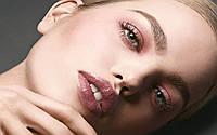 Модный тренд: монохромный макияж