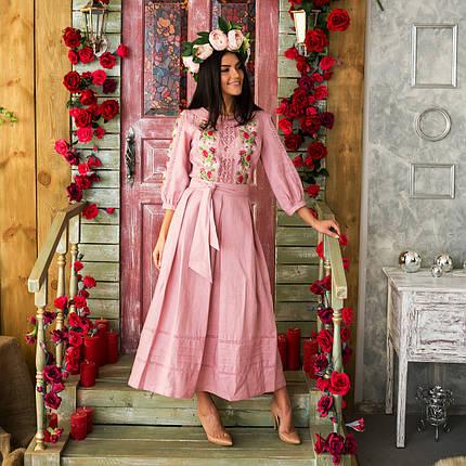 Женское льняное платье с вышивкой Роксолана пудра, фото 2