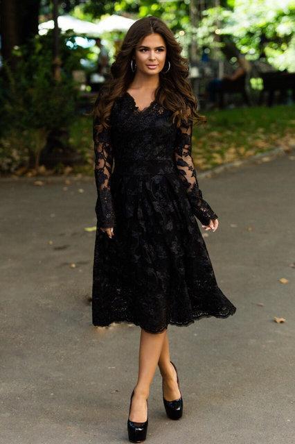 Нарядное женское стильное платье с V-образным вырезом ажурное кружево расшитое пайеткой размер 42,44,46