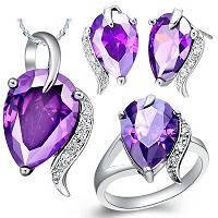 Ювелирные изделия с драгоценными и полудрагоценными камнями