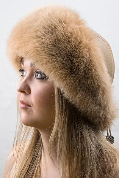 Зимняя шапка из кожи и меха Vika-111  Песочный