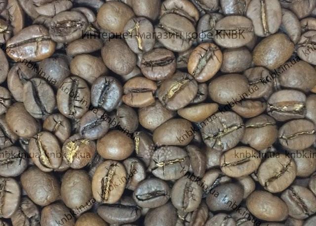 Фото зерен смеси сортов кофе арабика 80 робуста 20