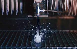 С помощью чего осуществляется гидроабразивная резка?