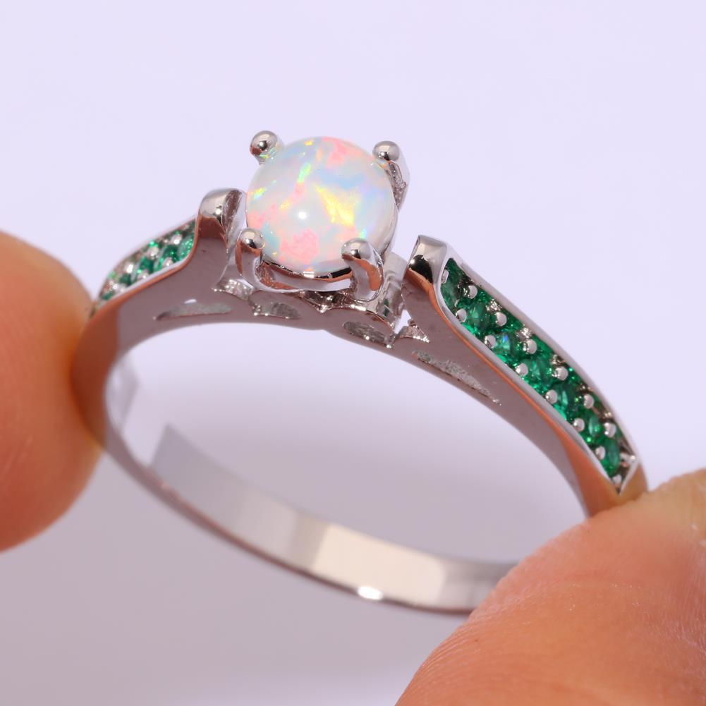 Огненный опал и изумруд кольцо с опалом и изумрудом в серебре 18 размер