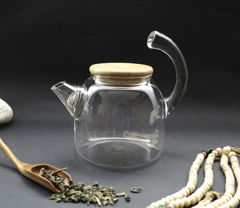 Стеклянный чайник с ситом 700 мл.