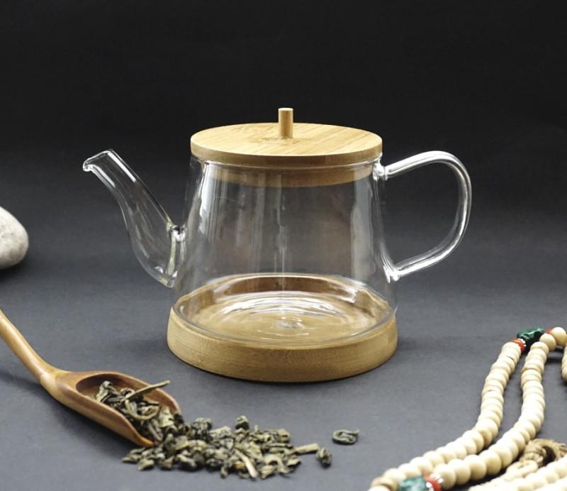 Чайник стекло с деревянной подставкой 600 мл.
