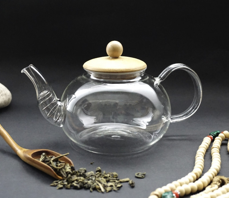 Чайник з ситом пружиною 800 мл.
