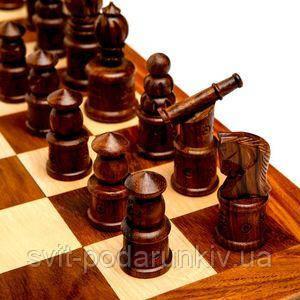 Шахматные фигуры из дерева - фото