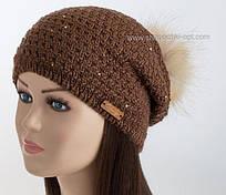 Женская шапка колпак с помпоном Lola шоколадного цвета