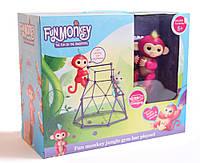 Интерактивная ручная обезьянка FINGERLINGS с турником BELLA