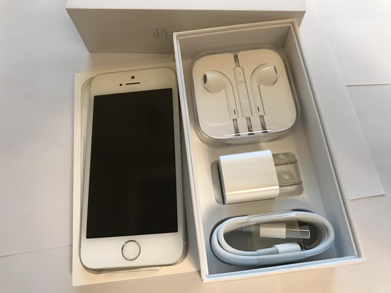Новый Apple iPhone SE 64GB Silver АктивироваН! НЕ РЕФРЕШ! Оригинал!