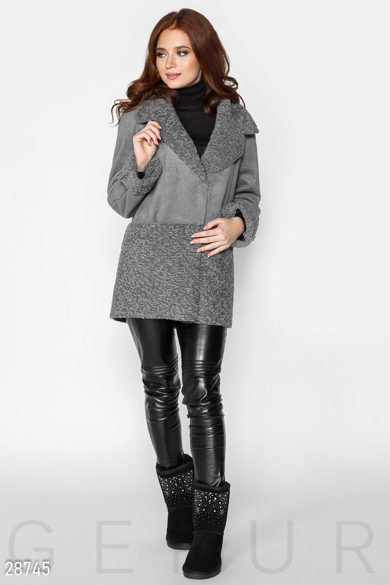 Стильная куртка-дубленка серого цвета