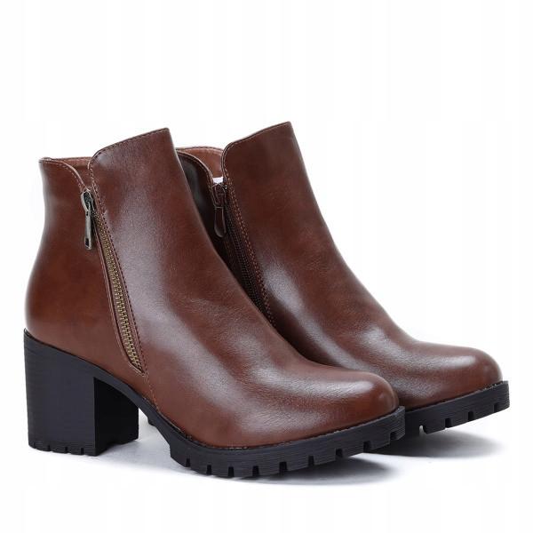 Женские ботинки Prada