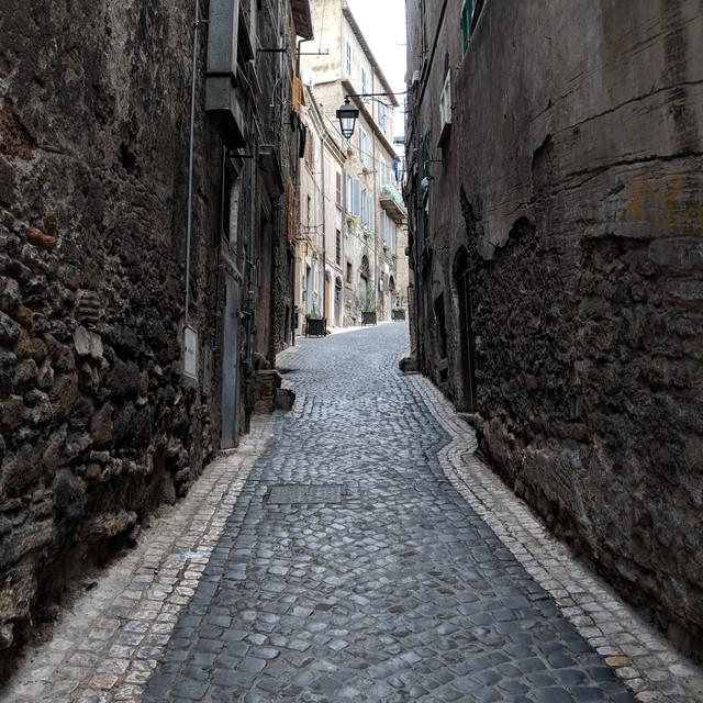 Бруківка, тротуарна плитка, камінь для укладки доріжок.