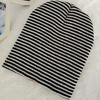 Детская вязанная демисезонная шапка черно-белая полоска