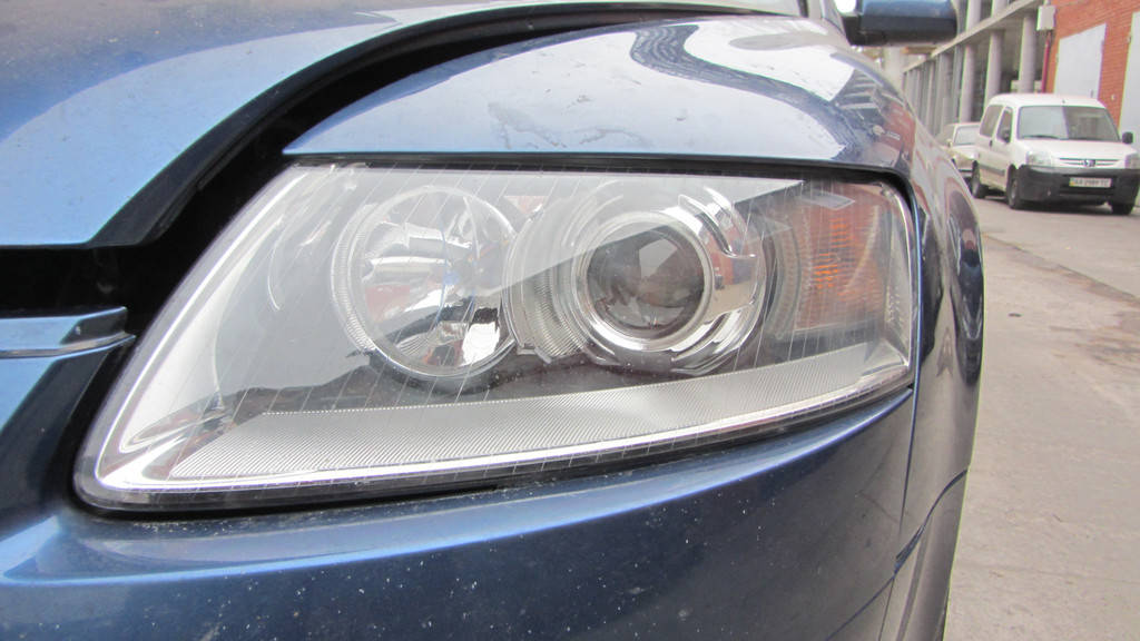 """Audi A6 (C6) - установка светодиодных Bi-LED линз Optima Professional Series 3,0"""" 5100K 4000Lm"""