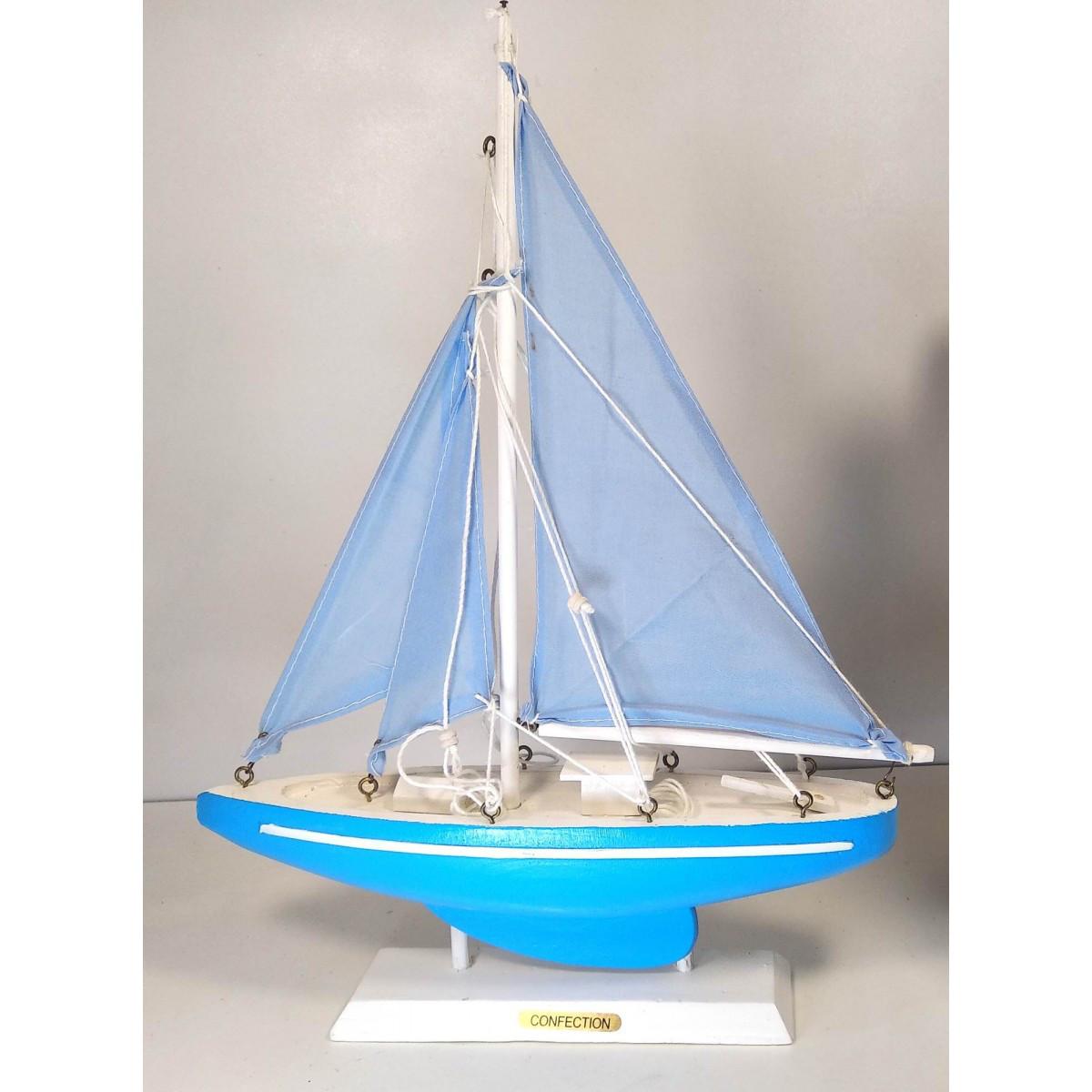 Яхта сувенир настольная