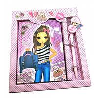 Блокнот розовый для девочки с замочком стильный