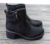 Демисезонные ботинки на низком каблуке черные замша, фото 1