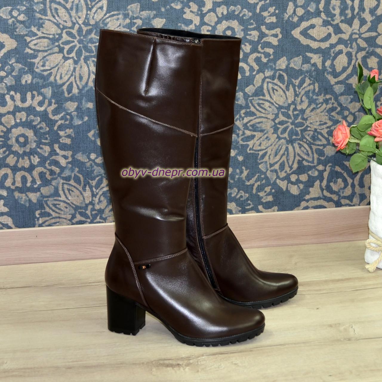 Сапоги женские демисезонные на устойчивом каблуке, натуральная коричневая кожа.