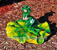 Садовая фигура Жаба на лилии большая