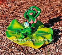 Садовая фигура Жаба на лилии малая