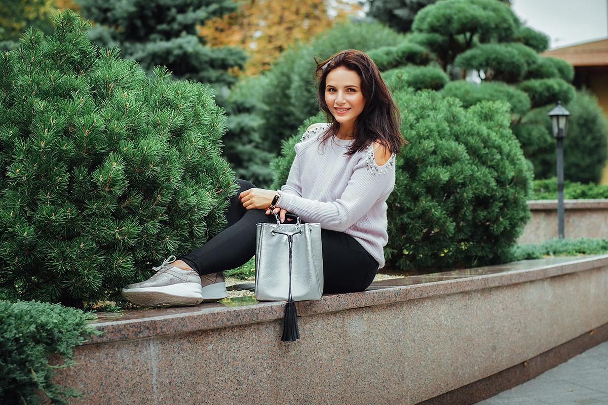 Женская сумка кожаная 25 серебристый флотар с черным 01250111-01