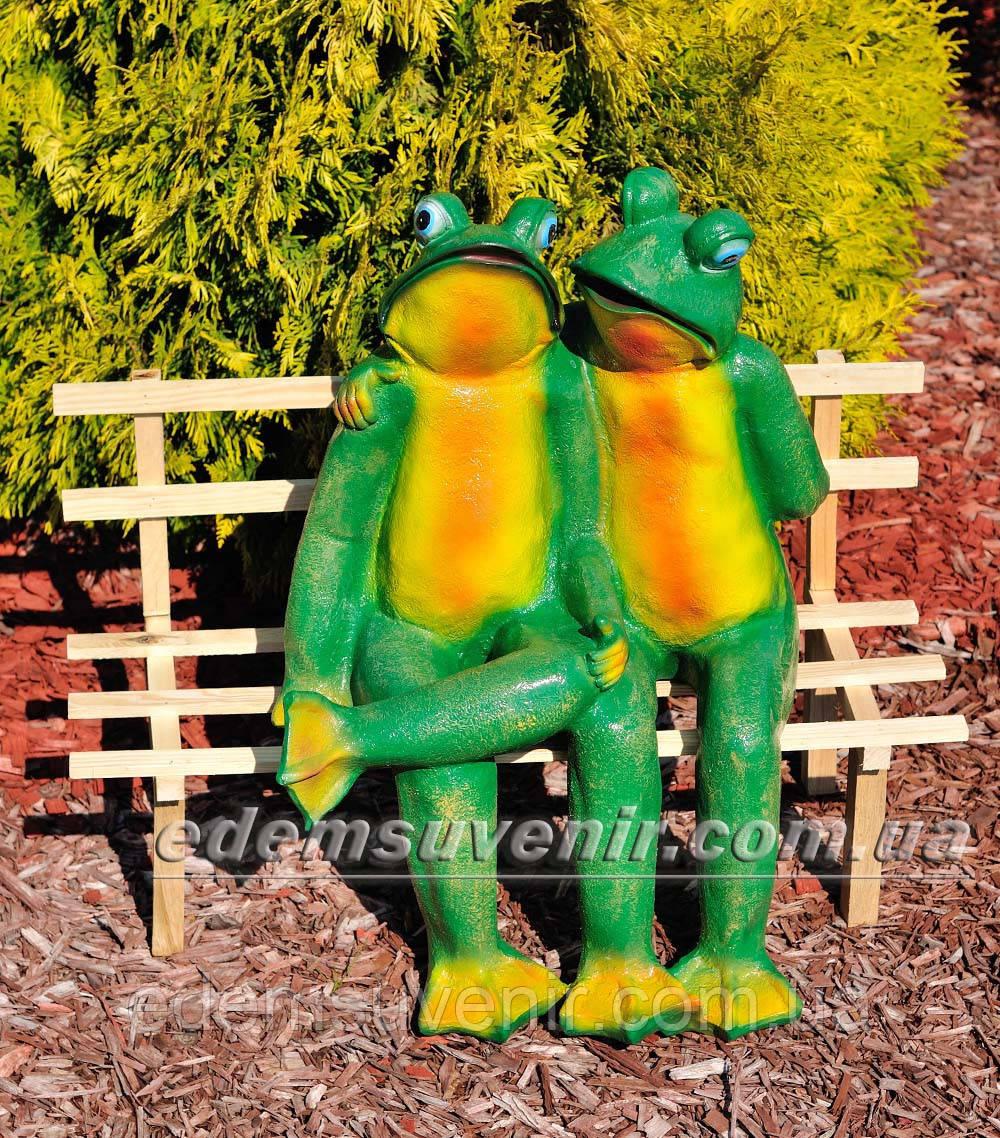 Садовая фигура Жабы на скамейке