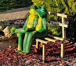 Садовая фигура Жабы на скамейке малые, фото 2