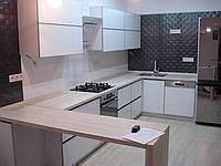 Кухня под заказ, фасады из стекла, фото 1