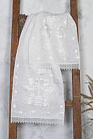 Льняной рушник с белой вышивкой гладью
