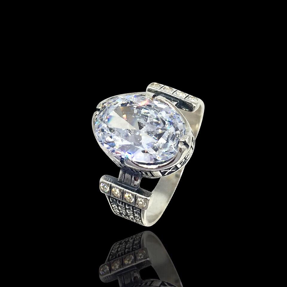 Серебряный перстень-оберег с большим прозрачным камнем