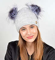 """Женская шапка с 2 помпонами """"Дора"""" Св.серый, фото 1"""