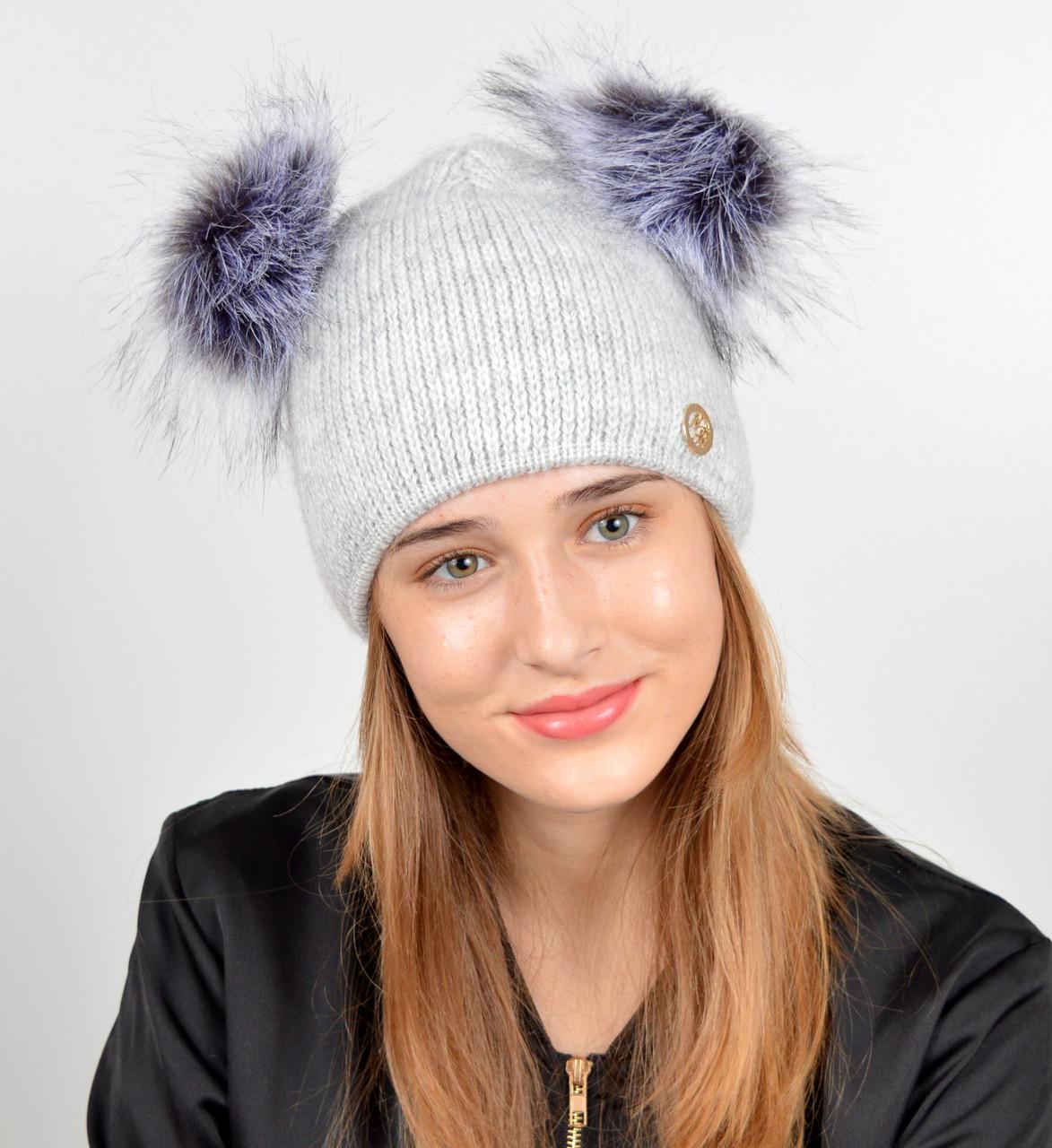 """Женская шапка с 2 помпонами """"Дора"""" Св.серый"""