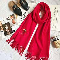 Шикарный красный шарф Gucci