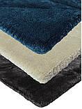 Темно синий ковер с выдавленым абстрактным узором в виде треугольников из натурального бамбукового шелка, фото 3