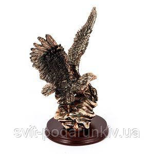 Фигурка орел на подставке - фото