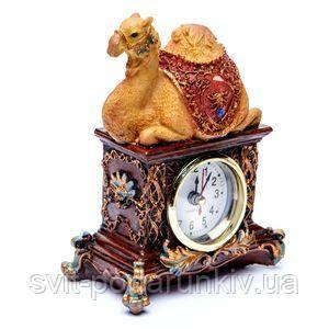Фигурка верблюда с часами - фото