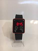 Наручные электронные LED часы, черный с красным