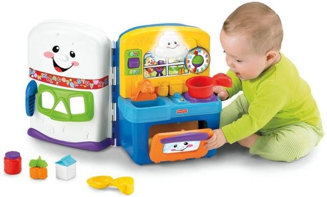 Игрушки для детей развивающие( пирамидки, мячики, кубики, погремушки, пищалки и музыкальные)