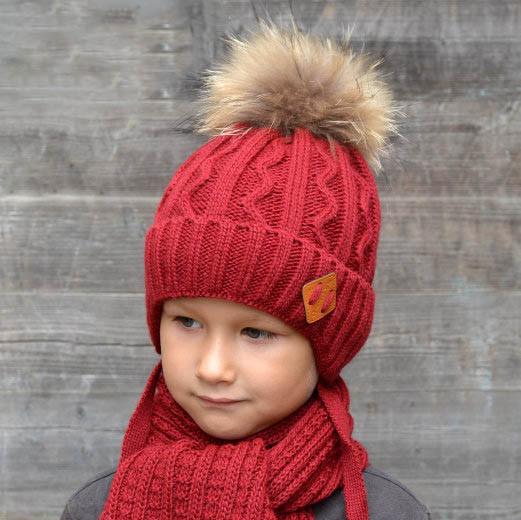 Зимний комплект шапка шарф для мальчика Енот, бордо (ОГ 46-52, 52-58)