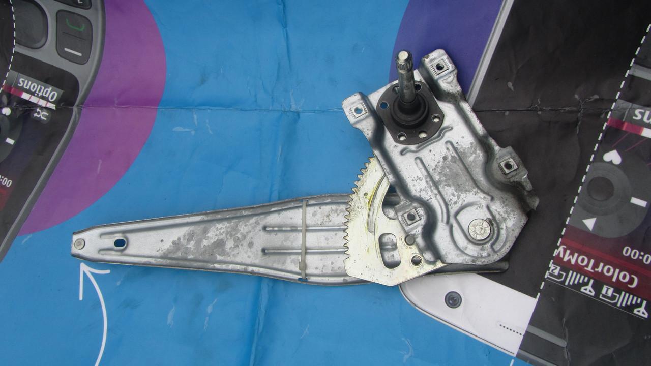 6983005090 Механизм стеклоподъемника двери задней правой (не электро) Toyota Avensis T250 2003-2008