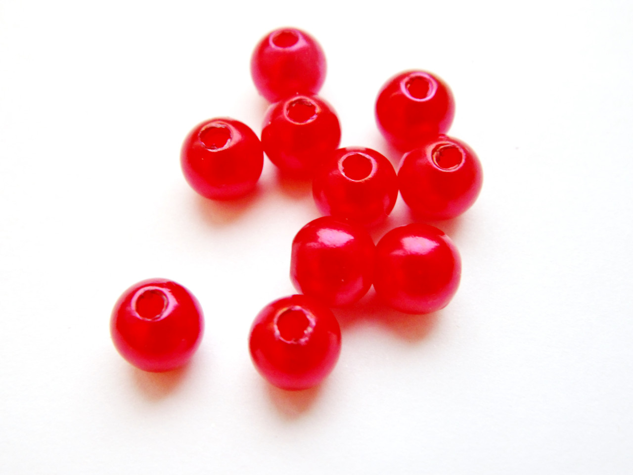 Намистини Червоні 6 мм акрил (50 шт.)