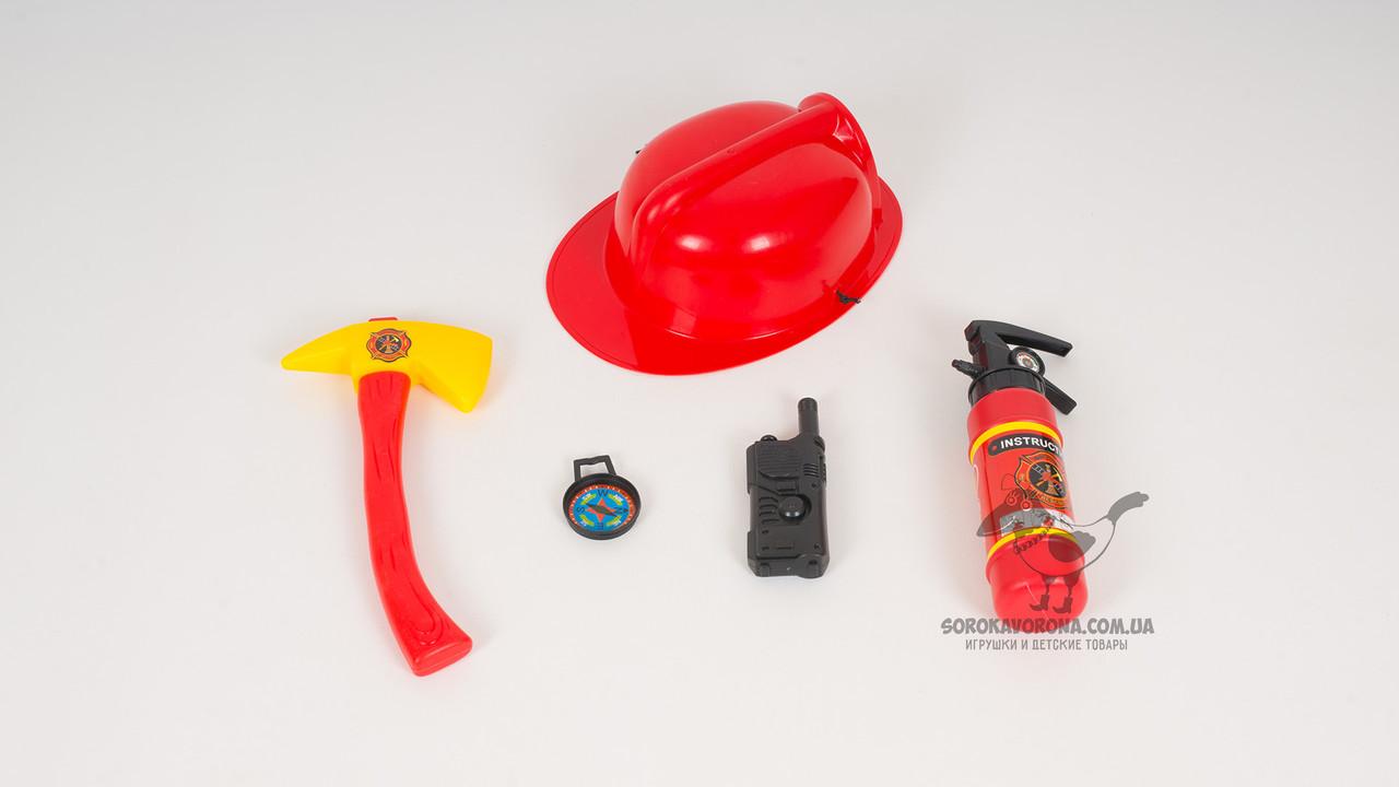 Набор пожарника. В комплекте - каска: топор: огнетушитель. 2 цвета