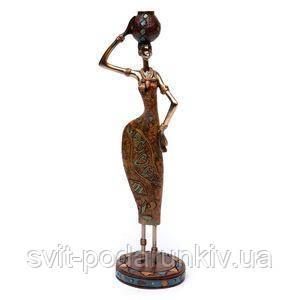 Статуэтка африканской женщины с кувшином - фото