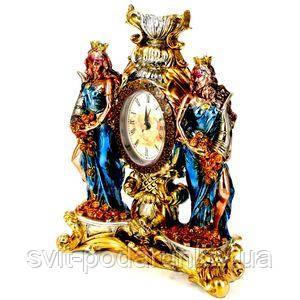 Часы с изображением статуэтки Фортуны - фото