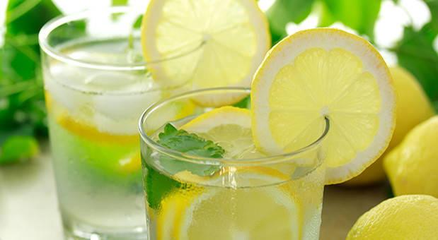 6 причин пить воду с лимоном каждое утро