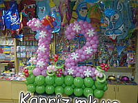 Праздничная цифра 12 из шаров