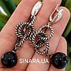 Стильні срібні сережки-підвіски з чорним перлами (імітація), фото 2