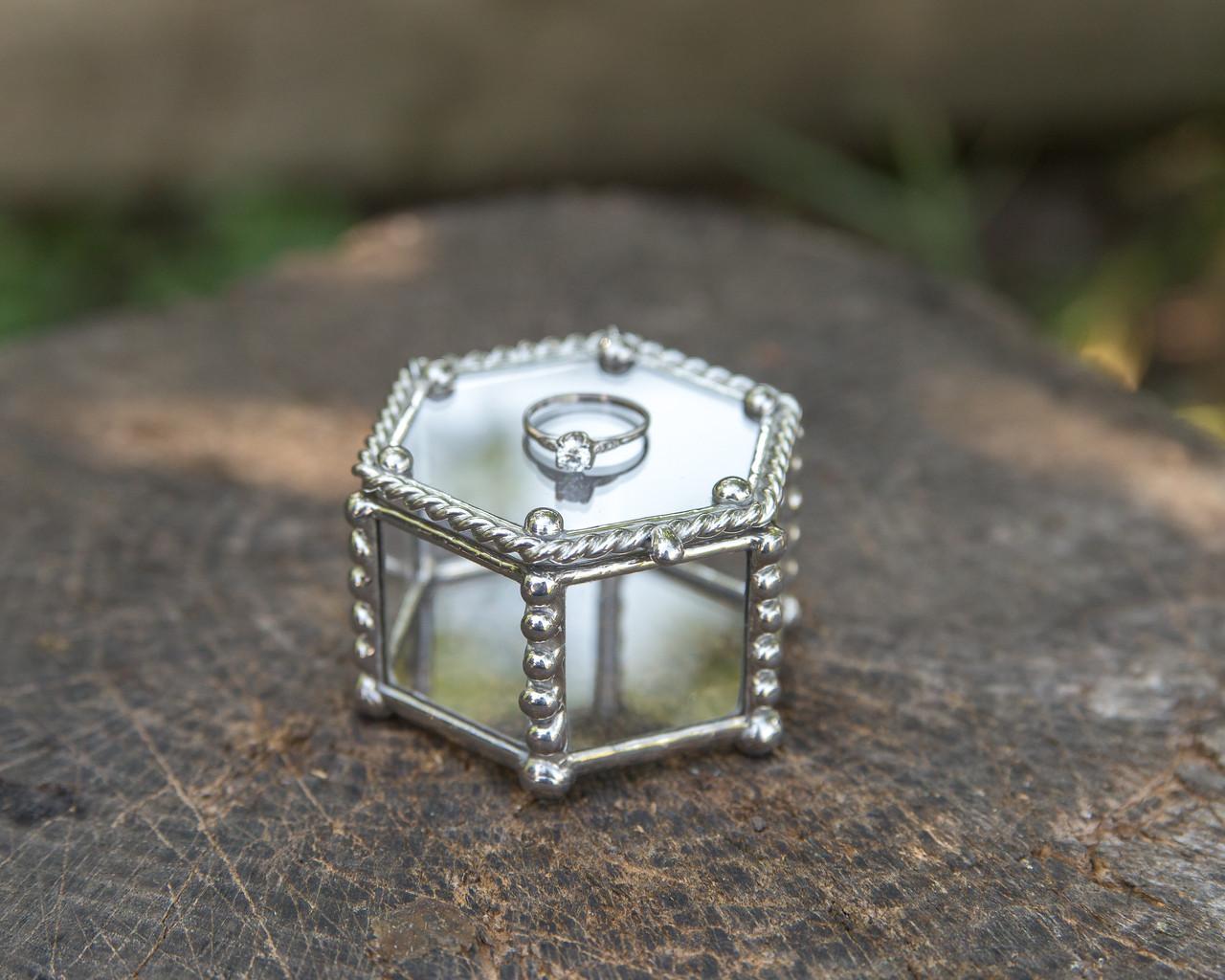 Шкатулка для украшений шестиугольная из стекла
